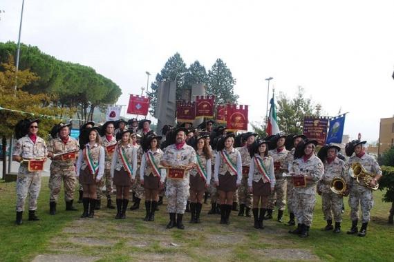 Il Cardinale Gualtiero Bassetti e la Fanfara dei Bersaglieri chiudono i festeggiamenti per il Ss.mo Crocifisso di Villantria