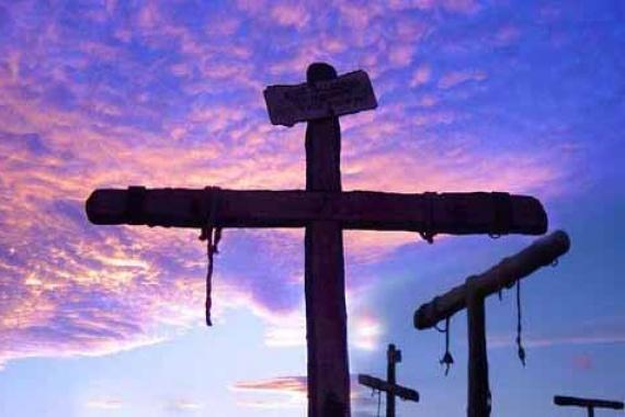 La croce non è un ornamento,  ma sacrificio d'amore