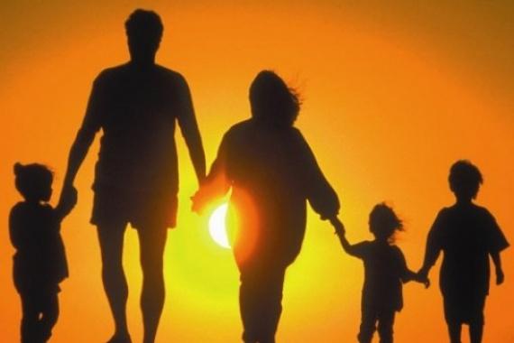 Per le famiglie vale più la carriera dei figli o la loro formazione integrale?